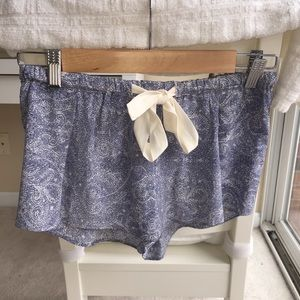 Wilfred (Aritzia) 100% Silk Shorts XS